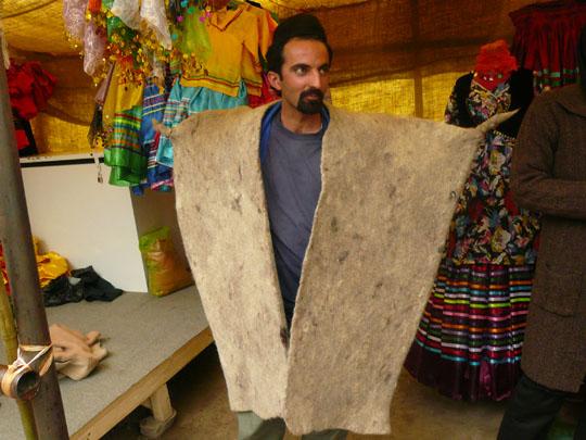 Tradicinis nomadiškas piemenų apsiaustas copy